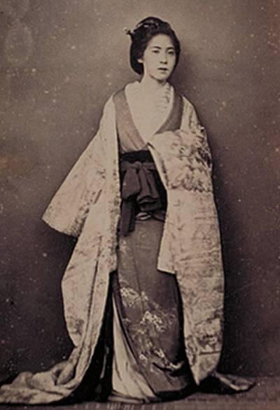 15位:日本人婦人かささん(ベアト撮影/1963年9月)の写真(ガチで美人過ぎる幕末女性ランキング)
