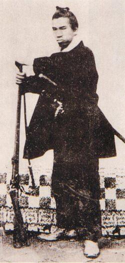 谷干城の写真(鉄砲を携行)