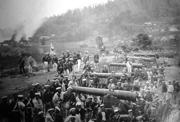 長州藩の攘夷決行後、フランス海軍に占領された前田砲台