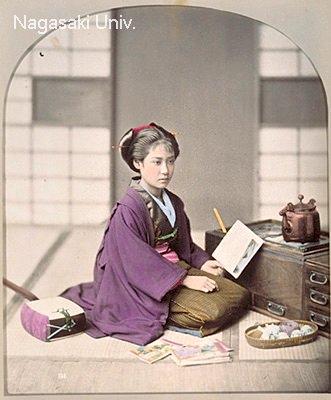 読書中の美少女(明治時代の美人ランキング)
