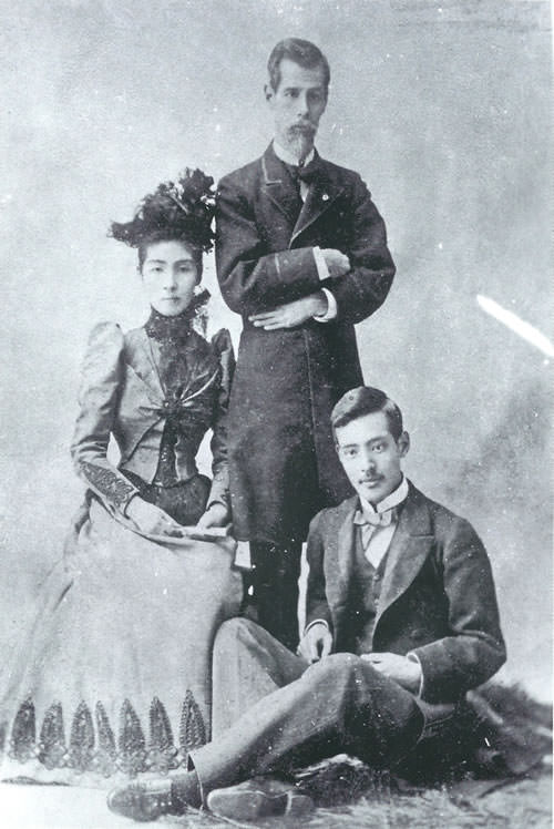外務大臣の睦奥宗光、妻・亮子、長男・廣吉