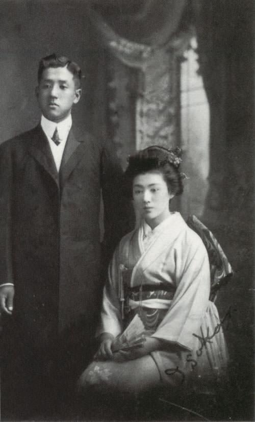 朝吹常吉と妻・朝吹磯子(当時16歳)