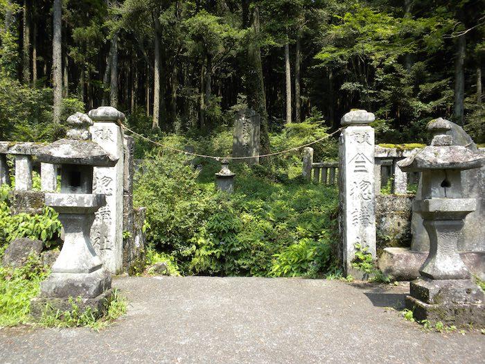 富士山の洞窟「人穴(ひとあな)」