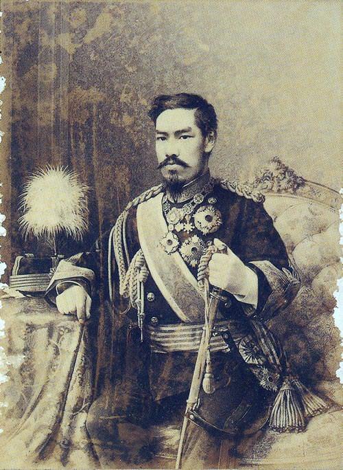 明治天皇の肖像画(キヨッソーネ作)