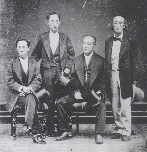 高須四兄弟(左から松平定敬、松平容保、徳川茂徳、徳川慶勝)。1878年 ...