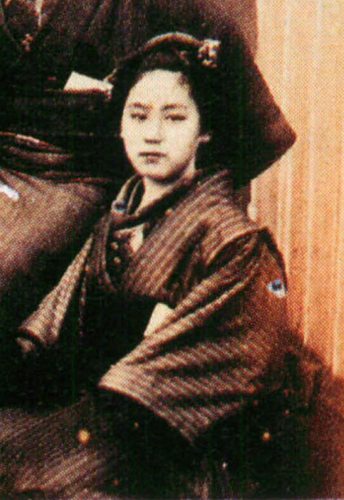 長崎の女性(拡大)の写真
