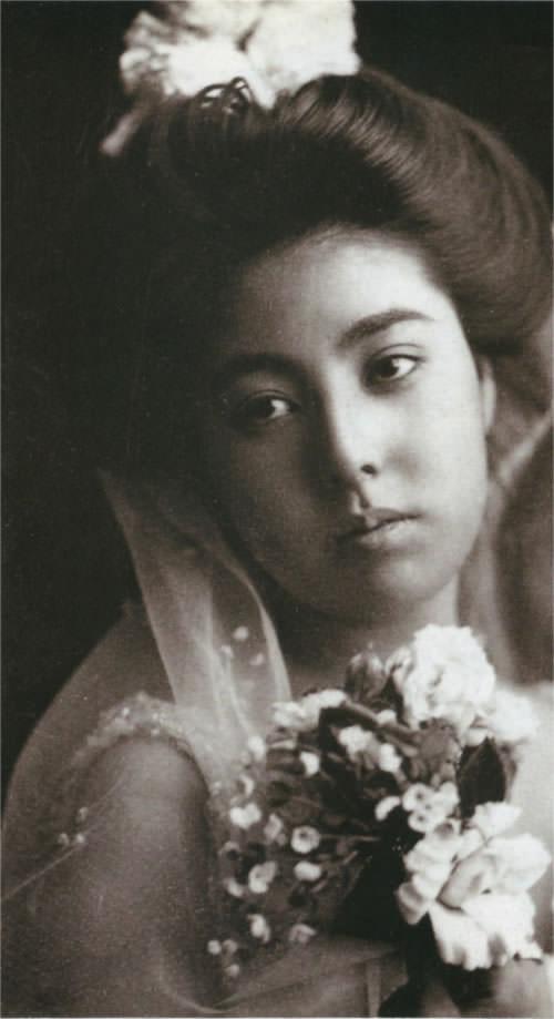 ベールの女性(明治時代の美人ランキング)